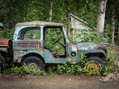"Alaskan Willys Jeep with ""custom"" hard top Cj Jeep, Jeep Cj7, Jeep Hard Top, Jeep Garage, Vintage Jeep, Badass Jeep, Abandoned Cars, Toy Trucks, Jeep Life"