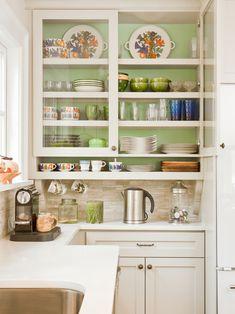 http://www.hgtv.com/designers-portfolio/room/traditional/kitchens/9893/index.html#/id-9740/room-kitchens?soc=pinterest