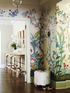 A dose of interior design inspiration: Floral wallpaper is back in a big way, and this image demonstrates just how much impact wallpaper can have on a room. The gorgeous floral mural brings the wal… Home Interior, Interior And Exterior, Interior Decorating, Interior Design, Interior Styling, Decorating Ideas, Foyer Decorating, Interior Garden, Design Interiors