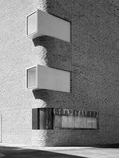 Hospitalhof in Germany by Lederer Ragnarsdóttir Oei (photography by Roland Halbe) its wanderful! Architecture Design, Facade Design, Amazing Architecture, Contemporary Architecture, Exterior Design, Stone Exterior, Brick Facade, Building Facade, Brickwork