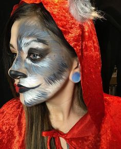 With Halloween just around the corner, it's time to finalize your costume and makeup. Since Marvel, The Walking Dead and Star Wars have been done to death, it's time to find some fresh inspiration. Below,