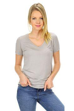 Majestic filatures - T-Shirts - Abbigliamento - T-Shirt in viscosa elasticizzata con scollo a V.La nostra modella indossa la taglia /EU S. - 030 - € 85.00