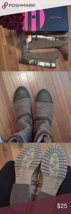 """👢👢👢SUPER UNIQUE boots 👢👢👢 Loooove this pair and only worn once so ton of wear left to it! Practically new. Size 6.5 (i am a 7.5 and wore it w/thin socks). A unique combination of suede&leather-like fabrics along with glitter in back. This looks amazing esp. w/dark jeans! Note the little hole in back (left shoe) and dot on front of right shoe- purchased this way and factored into price. Rise 14"""" from heel up! Bundle and save!! Michael Antonio Shoes"""