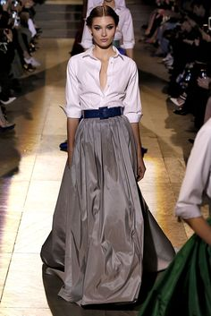 Carolina Herrera Fall 2018 58 Looks From Carolina Herrera Lim Fall 2018 NYFW Show – Carolina Herrera Lim Runway at New York Fashion Week Couture Fashion, Runway Fashion, Fashion Beauty, Trendy Fashion, High Fashion, Womens Fashion, Ladies Fashion, Fashion Fashion, Fashion Stores