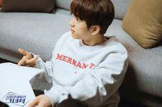 He Is Psychometric 🖐 Yugyeom, Youngjae, Korean Drama Series, Wang Jackson, Cute Romance, Got7 Jinyoung, Someone Like You, Korean Language, The A Team
