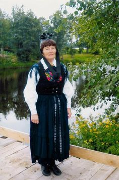 Lappfjärd, Tjöck, Österbotten Folk Costume, Costumes, Folk Clothing, Traditional Outfits, Finland, Classy, Embroidery, How To Wear, Dresses