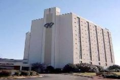 Virginia Beach (VA) Doubltree Hotel Virginia Beach United States, North America Doubltree Hotel Virginia Beach is a popular choice amongst travelers in Virginia Beach (VA), whether exploring or just passing through. Both business travelers and tourists can enjoy the hotel's facilities and services. To be found at the hotel are business center, pets allowed, laundry service/dry cleaning, concierge, shops. Guestrooms are fitted with all the amenities you need for a good night's ...