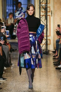 The complete Emilio Pucci Fall 2018 Ready-to-Wear fashion show now on Vogue Runway.