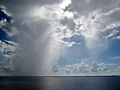 clouds_rays.jpg (800×603)
