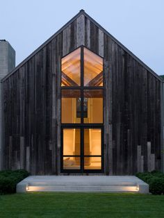 http://veryheavypetal.tumblr.com/post/105874403370/nonconcept-homelimag-remsenburg-barn-house