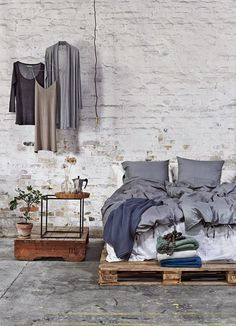 DIY เตียงนอน จาก