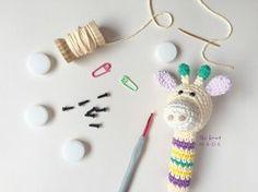 FREE PATTERN Receita Grátis em português de chocalho em crochê para bebês