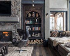 Vikings View ski chalet designed by Locati Architects features spectacular Lone Peak views in Yellowstone Club, Big Sky, Montana. Cabin Interior Design, Chalet Design, Interior Decorating, Interior Styling, Ski Chalet, Classic Interior, Modern Interior, Mountain Cabin Decor, Mountain Cabins