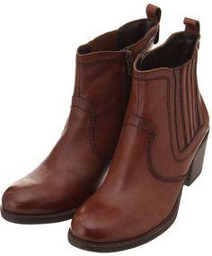 Stitched accent boots /  ShopStyle(ショップスタイル): Solo GISELe本革サイドゴアブーツ  - shopstyle.co.jp