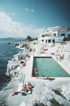 Guests round the swimming pool at the Hotel du Cap Eden-Roc, Antibes, France, August (Photo by Slim Aarons/Hulton Archive/Getty Images) Oh The Places You'll Go, Places To Travel, Places To Visit, Travel Destinations, Winter Destinations, Provence, Beautiful World, Beautiful Places, Beautiful People