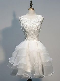 A-line homecoming dresses, white homecoming dresses, tulle homecoming dresses, applique homecoming dresses, little white dresses, short prom dresses, party dresses, formal dresses#SIMIBridal #homecomingdresses
