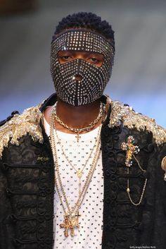 new style eba5d 996b7 Men s Fashion  Wizkid Walks Dolce   Gabbana Runway Show