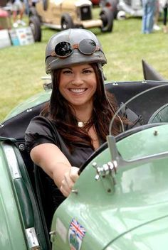 Kate Guerriero in a 1932 MG C-Type during the Pittsburgh Vintage Grand Prix held in Schenley Park, Saturday, July 18, 2009