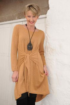 Ginger Toby Autumn gold knitted tie tunic.44G