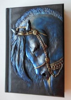 Horse Notebook by CLAYMAN (Polymer Clay Planet) – Hobbies paining body for kids and adult Polymer Clay Kunst, Polymer Clay Projects, Polymer Clay Creations, Polymer Clay Jewelry, Fimo Clay, Polymer Journal, Aluminum Foil Art, Clay Wall Art, Metal Embossing