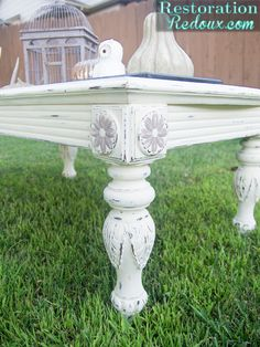 Americana-Coffee-Table I really like the color combination and the distressing really made the legs the showcase of this piece. The best part of Americana Decor paint? They sell it at Home Depot, Hobby Lobby, Michaels, A.C. Moore and other stores. Visit the DecoArt Chalky Finish website for more chalk paint ideas and inspiration.