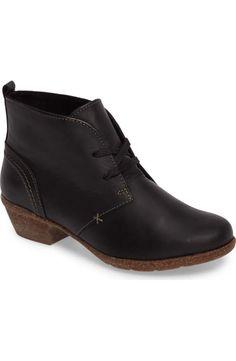 Clarks Dara Iii Womens, Black Leather, 42 EUR, B