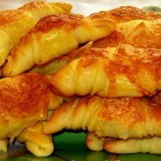 Kefires-sajtos sörkifli Recept képpel - Mindmegette.hu - Receptek French Toast, Muffin, Breakfast, Food, Drink, Morning Coffee, Beverage, Essen, Muffins
