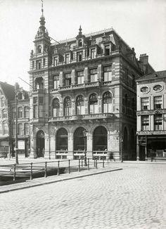 Exterieur Hotel Polen, Rokin 14 in Amsterdam bij het 25-jarig bestaan, 1915.