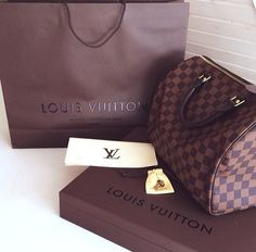 Womens LV handbags,it is your best choice to repin it and click link get it immediately!