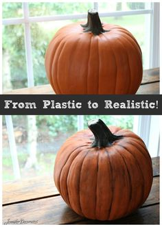 A clever hack for making plastic pumpkins Look Rea - Plastic Pumpkin Crafts Plastic Pumpkins, Fake Pumpkins, Halloween Pumpkins, Fall Halloween, Halloween Crafts, Halloween Ideas, How To Paint Pumpkins, Halloween Decorations, Artificial Pumpkins