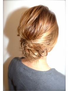 ドッツ Dots Hair&Makeルーズアップアレンジ