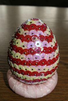 cekinowe jajko