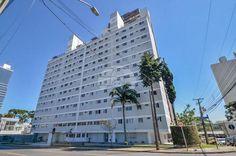 * 600 m do Parque Barigui, portaria 24 horas, com elevador, mobiliado, andar alto e desocupado. * Apenas R$198.000,00