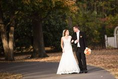 The light, the weather, the fall color and the couple, were all perfect for this beautiful fall wedding at Oaklands Mansion. #fall #wedding #bride #groom #photo #photography #nashville #Oaklands #Mansion