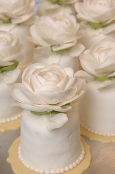 Wedding ● Dessert ● individual white cakes