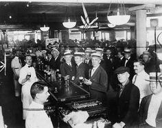 This American history photograph shows a crowded bar in New York City hours before midnight -- the starting point of Wartime Prohibition on Alcoholic Drinks on June History Photos, Us History, American History, American Life, History Timeline, History Memes, History Facts, New York City Bars, New York Bar