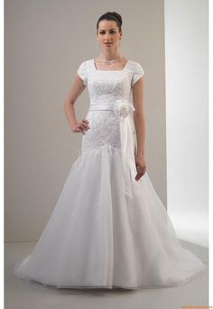 Elegant Square Ball Gown Chapel Train Unique Wedding Dress Venus TB7551 Temple Bridel 2011