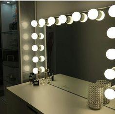 https://i.pinimg.com/236x/d1/75/52/d175527937538e880e9727f5f1870b65--vanity-ideas-work-stations.jpg