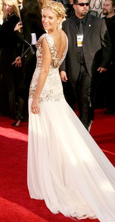 Sienna Miller in Marchesa at the 2007 Golden Globes