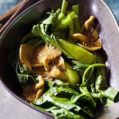 Steamed Asian Greens With Oyster Mushrooms With Chinese Broccoli, Bok Choy, Vegetable Stock, Oyster Mushrooms, Oyster Sauce Oyster Mushroom Recipe, Mushroom Recipes, Oyster Sauce, Vegetable Stock, Calorie Diet, Chinese Food, Cookie Recipes, Spinach, Stuffed Mushrooms
