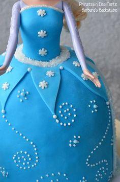 Barbara's Backstube: Prinzessin Elsa Torte (luftiger Schokokuchen mit Himbeerfüllung)