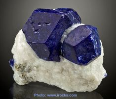 Lapis lazuli! Pretty blue -- thanks to the magic of sulphur (apparently it is specifically due to the thiozonide ion). Stone of friendship, helps one to be more kind and helpful, spiritual attunement, connects us to our resonating star, it is a stone of fidelity.