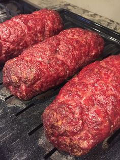 How to Make Delicious Homemade Salami - Uplifting Mayhem Homemade Salami Recipe, Venison Salami Recipe, Venison Summer Sausage Recipe, Ground Beef Jerky Recipe, Homemade Summer Sausage, Summer Sausage Recipes, Salami Recipes, Canned Salmon Recipes, Homemade Sausage Recipes