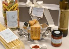 Italian Food Flavors Gift Basket  the best of the #italian #food #tradition https://goo.gl/9Rzg94 #cheese #spaghetti #sauce #oil