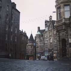 A dark street in Edinburgh, Scotland. Edinburgh Scotland, New York Skyline, The Past, Louvre, Dark, Street, City, Building, Instagram Posts