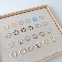 Seed Bead Jewelry, Bead Jewellery, Cute Jewelry, Funky Jewelry, Diy Beaded Rings, Diy Rings, Beaded Bracelets, Handmade Wire Jewelry, Diy Crafts Jewelry