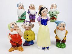 Rare ensemble de figurines Blanche-Neige et les sept nains