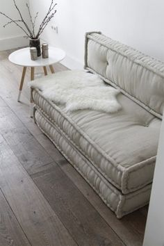 slip cover 2 twin mattresses and stack. mount back to the wall. Couch or two guest beds. canapé gris