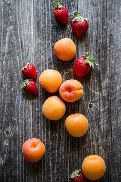 Apricot Strawberry Grilled Crisp | edibleperspective.com #vegan #glutenfree