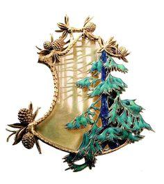 Lalique~ Art Nouveau Pine branch and pine cone brooch/pendant set in gold. Bijoux Art Nouveau, Art Nouveau Jewelry, Jewelry Art, Vintage Jewelry, Fine Jewelry, Jewelry Design, Gold Jewelry, Jewellery, Lalique Jewelry